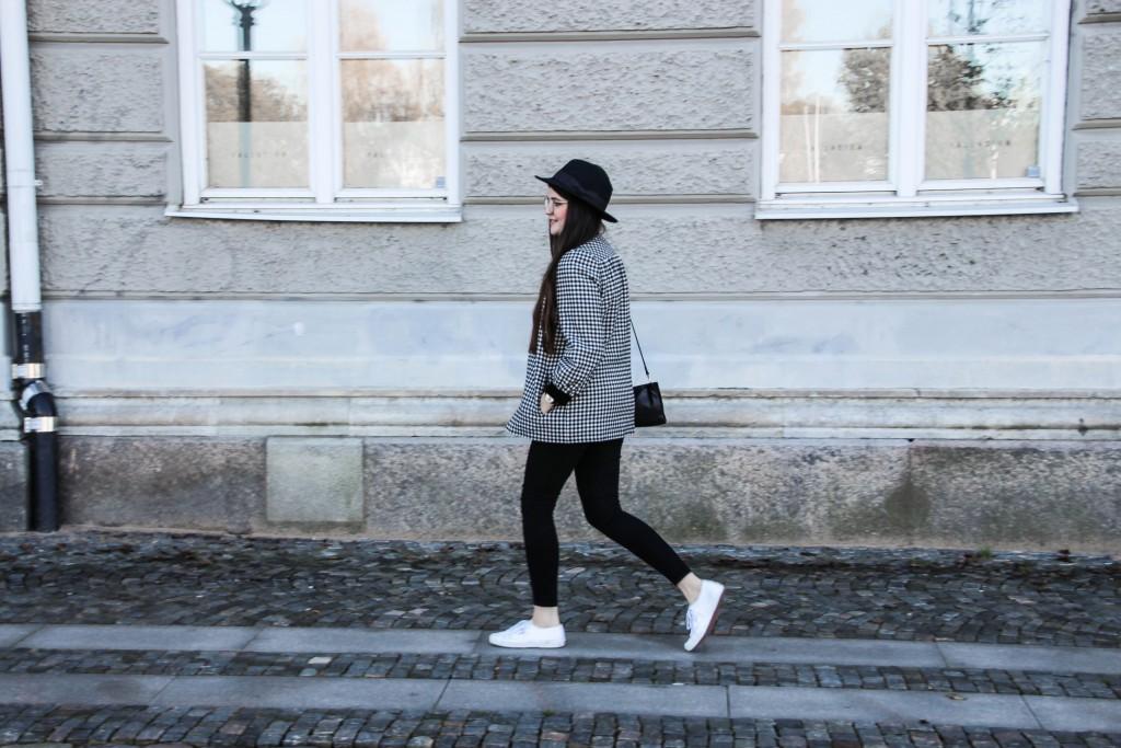 Modeblog-Autumn-Outfit-Vintage-Jumper-Hat-Skirt-Vintagestyle-1-36