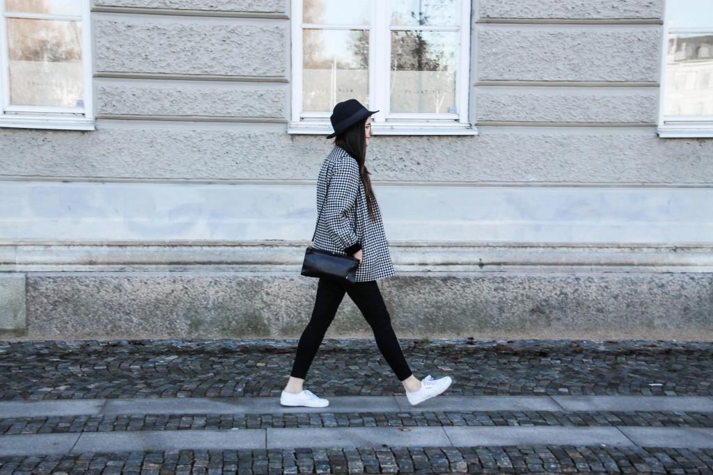 Modeblog-Autumn-Outfit-Vintage-Jumper-Hat-Skirt-Vintagestyle-1-37