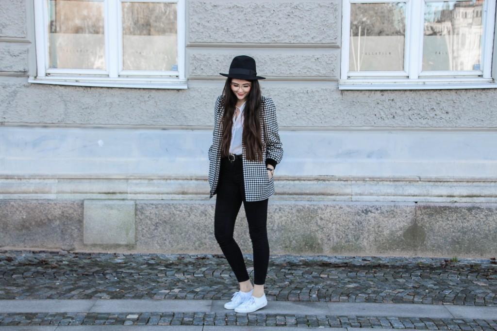 Modeblog-Autumn-Outfit-Vintage-Jumper-Hat-Skirt-Vintagestyle-1-46