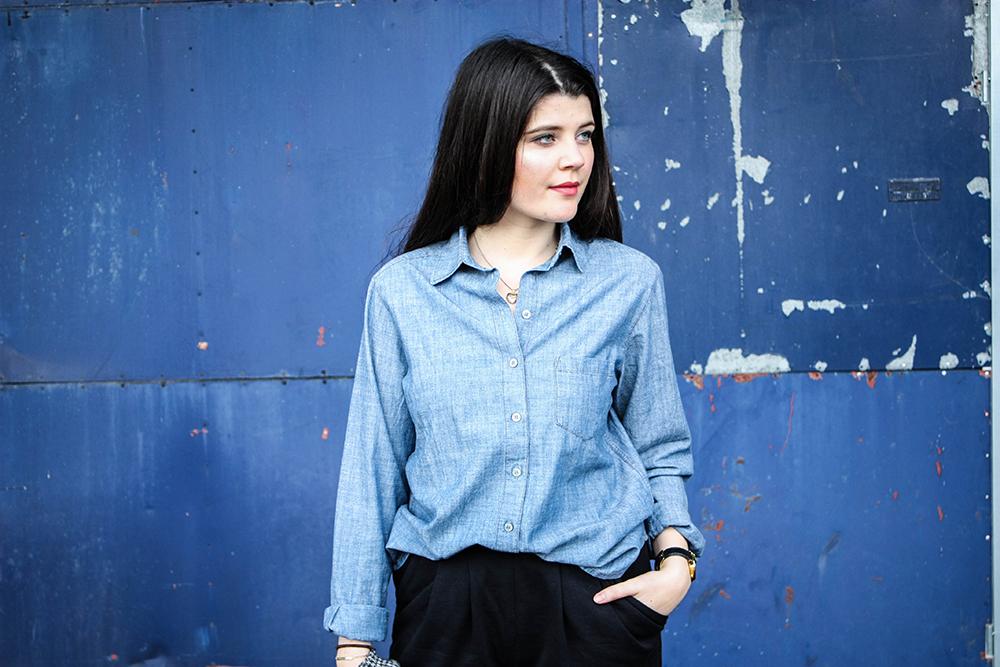 Modeblog-faire-Mode-Nachhaltigkeit-gruene-Erde-Bluse-blau-fair-fashion-19-3klein
