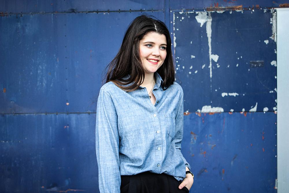 Modeblog-faire-Mode-Nachhaltigkeit-gruene-Erde-Bluse-blau-fair-fashion-19-9-klein