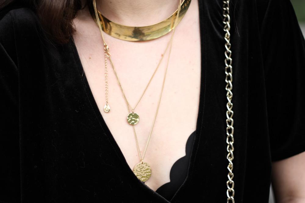 fair-fashion-blog-modeblog-deutschland-vintage-asos-jumpsuit-schwarz-samt-velvet-gold-sandalen-slipper-19-17